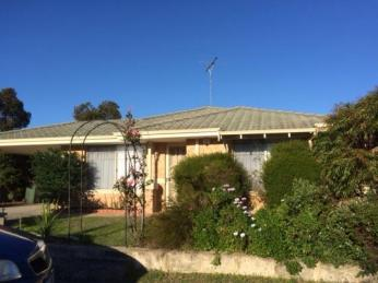View profile: COSY HOME IN COLLEGE GROVE - PETS CONSIDERED