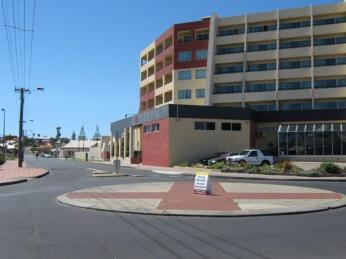 FOR LEASE IN THE CENTRAL CBD BUNBURY!!