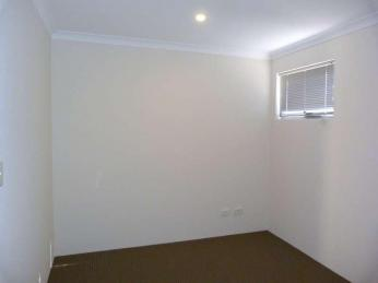 NEAR NEW & VIEWS FOREVER!!   * 2 WEEKS FREE RENT*