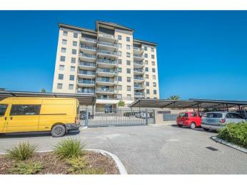 Highly Sought After Location    1 WEEK RENT FREE WITH A  12 MONTH LEASE