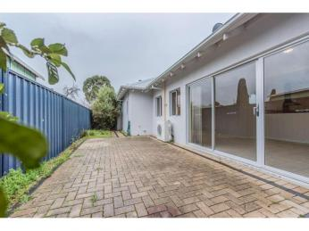 BEAUTIFUL 4x3 HOME IN THE HEART OF VIC PARK!!!