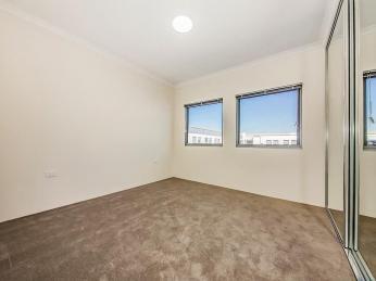Excellent Top Floor Apartment!