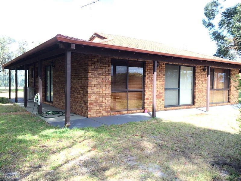 Rural Ravenswood Home