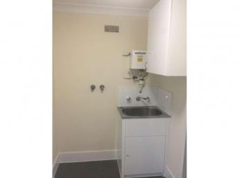 Fully renovated apartment; close to all amenities