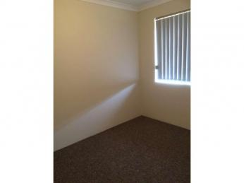 CLOSE TO SCHOOLS, DOCTORS SURGERY AND SHOPPING CENTRE