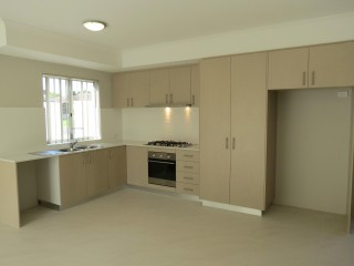 3x2 Townhouse in pretty suburb south of the river