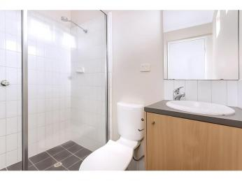 Freshly Painted Townhouse In Sought After Area