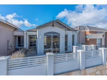 View profile: ***$295 p/w NEGOTIABLE***  LOVELY MODERN HOME OPPOSITE PARK