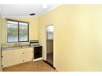 Character Duplex - WALKING DISTANCE TO CENTRAL CBD