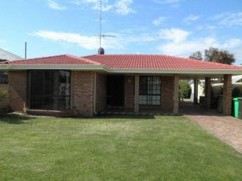 View profile: SPACIOUS HOME WITH REAR ACCESS
