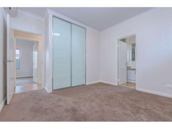 SOPHISTICATED APARTMENT LIVING IN PRIME LOCATION! ONE WEEK FREE!
