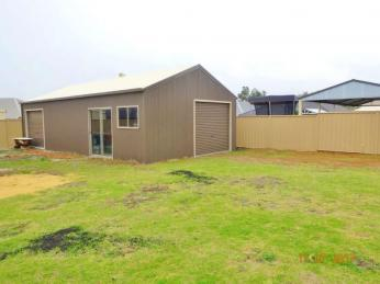 Family Home With Huge 6 x 12 Shed - Side Access - Great Location!