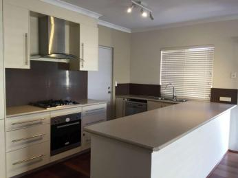 Modern 4 x 2 Close To Arterial Roads  1 WEEK FREE RENT WITH A 12 MONTH LEASE