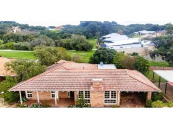 View profile: CLOSE TO BEACH AND CBD - PETS NOT PERMITTED