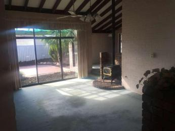 Family Home in Waikiki - Rent Reduced