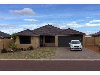 View profile: Family home with Huge 6 x 12 Shed - Side Access - Great Location!