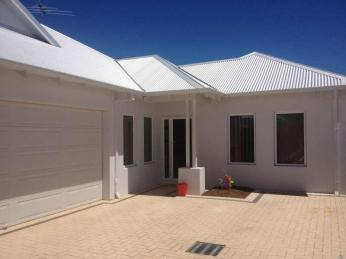 View profile: BEAUTIFUL 4x3 HOME IN THE HEART OF VIC PARK!!!