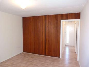 Newly Renovated in Brilliant Location!!!