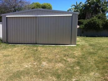 Close to Schools - Family home with large 6 x 4 shed