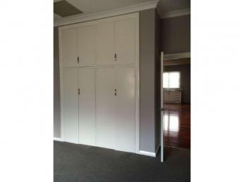 CHARACTER HOME IN SOUGHT AFTER SOUTH BUNBURY - SMALL PET CONSIDERED