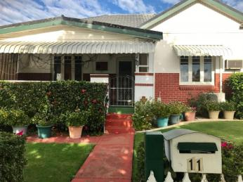 View profile: Art Deco Bungalow with Stunning Gardens