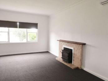 - Comforts - Facilities - Location -