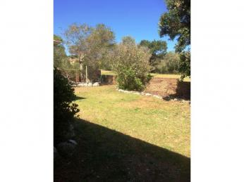 CLOSE TO BEACH AND CBD - PETS NOT PERMITTED